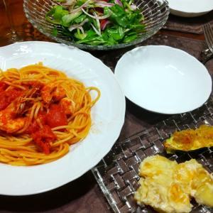 えびのトマトソースと、野菜のおつまみ3種