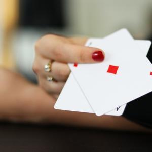 ベラジョンカジノのライブポーカー カジノホールデムを紹介