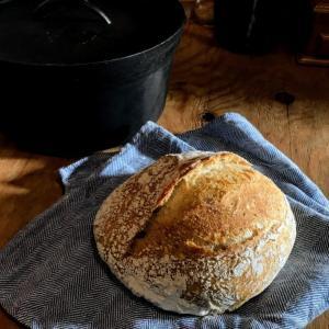 捏ねないパンno knead bread に挑戦中(2回目)。今回は自家製の天然酵母で。