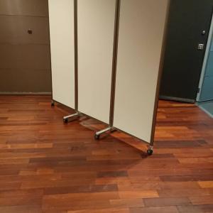 折り畳みパーテーションレンタル