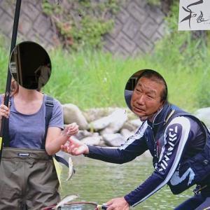 美女と釣る利き鮎V4の和良川鮎