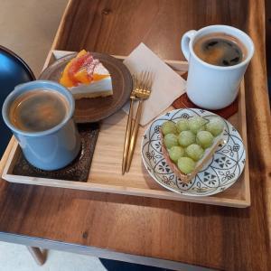 望遠洞 フルーツタルトの美味しいカフェ エバーノック