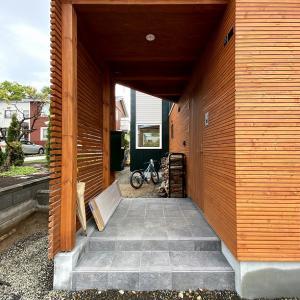 「北窓の家」「Slash」外構工事/「六角形の家」一年検査