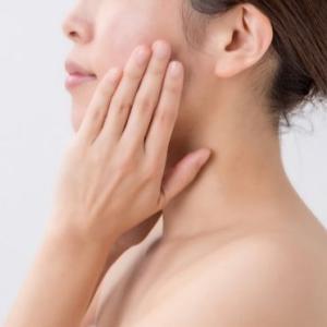 1分の習慣で簡単にしみ、しわ、たるみを改善して肌の若返りさせる方法