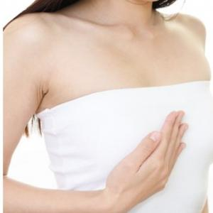 女性ホルモンの分泌がバストの成長には欠かせない