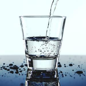 食前30分、食後3時間の水分補給が人生を変える