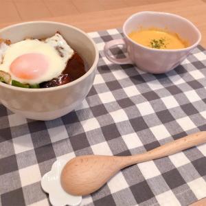 ロコモコ丼とかぼちゃスープ