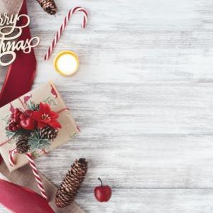 お歳暮とクリスマスカードと年賀状