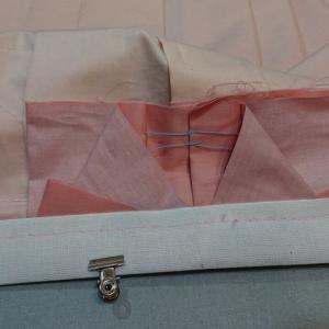 女の子の袴作り08途中経過 笹ひだ→腰モを着ける かんぬき止め