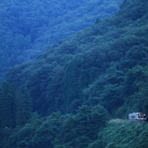 季節が変わる色      (わたらせ渓谷鉄道)