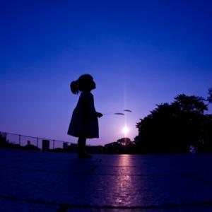 青紫の夕暮れ