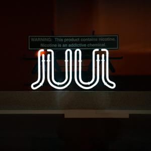 アメリカJUULが、フルーツフレイバーの販売中止