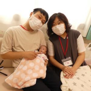 親御さんの笑顔が嬉しそうな赤ちゃんの表情に感動。。。