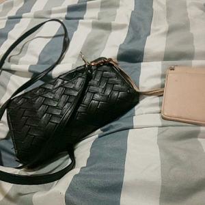 財布が壊れているので新しい財布を買おうと思って調べてみました。