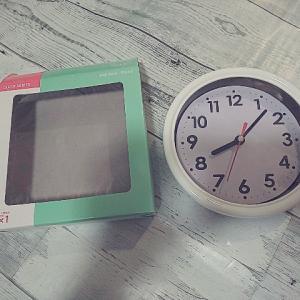 ツヅラーゴミ子、ダイソーの時計をとりあえず設置する