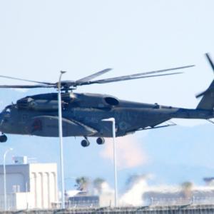 【航空機】米海兵隊岩国基地のF-35B、MH-53E、海自MCH-101
