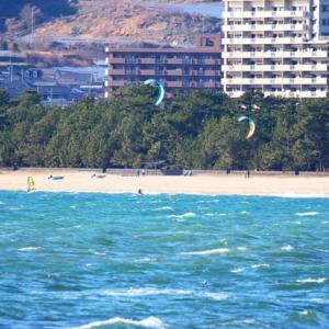 【風景写真】虹ケ浜のカイトサーフィン・ウインドサーフィン