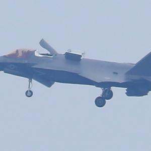 【航空機】F-35Bステルス戦闘機空中停止、ヒューロン軽輸送機、海自リアジェットU-36A