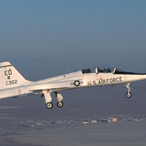 【航空機】米アラバマ州で訓練中 空自隊員T-38ジェット練習機墜落で死亡