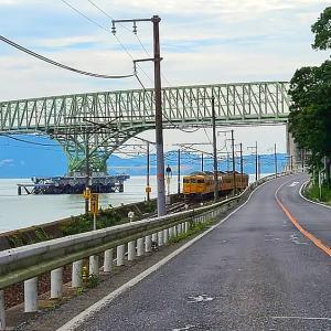 【鉄道写真】大島大橋下を濃黄色115系電車が行く~♪
