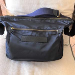 【フェリージ ショルダーバッグ9362/DSレビュー】旅行用にも最適!A4サイズが入る使い勝手がいいショルダーバッグ