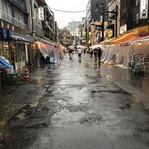 台風の日は行列店へ 浅草散歩