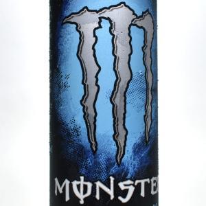 まだ「モンスターエナジーアブソリュートリー ゼロ」を飲んだことがない人に強くオススメしたい理由、なぜ青缶が人気なのか?を解説