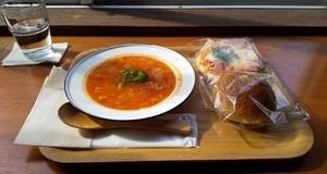 スープを飲んでほっこりしよ〜!!
