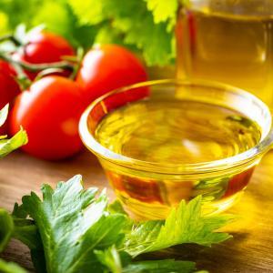 【ダイエット中におすすめ!】良質な油と理想的な油の摂り方