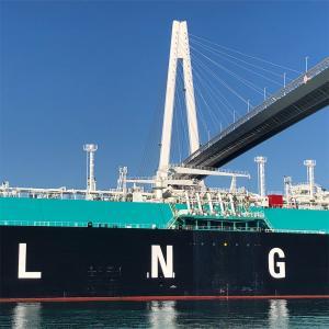 【富山県】LNG船が新湊大橋下を通過する瞬間!!LNGタンカー見学スポットオススメ5か所を紹介