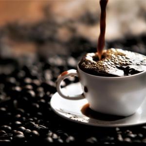 コーヒーをおいしく感じる色は?【色の秘密/ 野村順一】