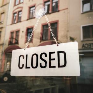 いろいろあって関連会社は閉じました