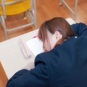 先生と授業中のせめぎ合い