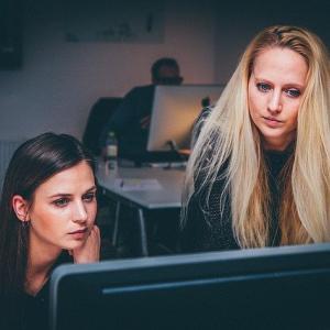 女性が仕事をしやすい環境を整えていくことが必要