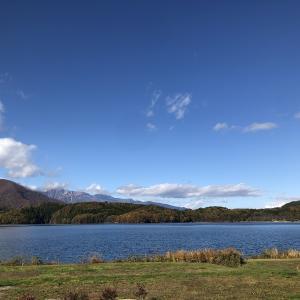 青木湖でSUPに挑戦。初日から立って乗れて以外に簡単?