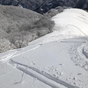 スキー場・シーズン券・2021 10月から料金UP、残り4日!