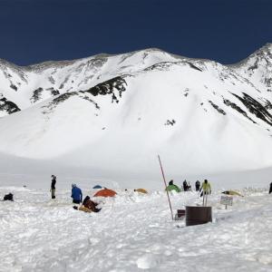 5月の立山・龍王岳、浄土山、雄山、東一ノ越、雷鳥沢を画像で紹介
