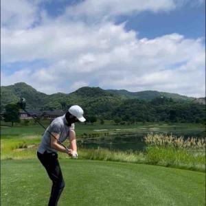 일을 해야 하는데 맨날...⛳️ 배우O. 골프X 仕事をしないといけないのに、 毎日···。⛳️ 俳優O.ゴルフX