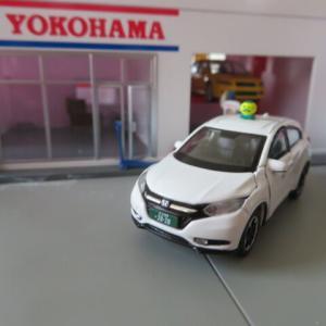 EraCar(エラカー) 1/64 ホンダヴェゼル AWD 個人タクシー仕様