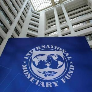 国際通貨基金(IMF)最新の世界経済見通しで2019年の世界経済成長率予想を5回連続下方修正