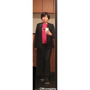 アラ還ぽっちゃり骨格ストレートコーデ「ピンクを黒で着る・ユニクロ・エクストラファインメリノ」
