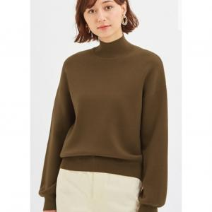 シンプル好き骨格ウェーブコーデ「GU・スウェットライクハイネックセーターがなぜ似合うのか?」