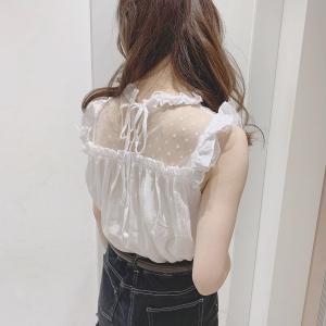 【画像】女子大生「男って、女のこういう服装にドキっとするんでしょ?ホントにちょろい」