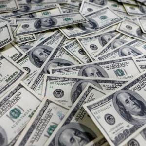 【金融危機】世界債務、過去最大の2京円に IMF 銀行からお金下ろしとく?