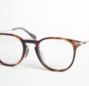 オヤジのメガネ姿