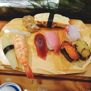 ネタも板前さんも大真面目!店名は『おちゃらけ』横浜橋通商店街からすぐのお寿司屋さん