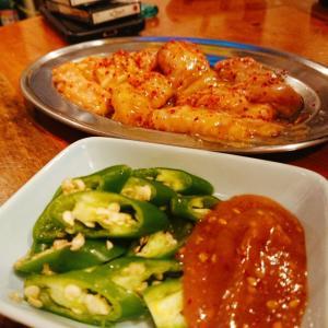 炭火焼肉『のぶ』青唐辛子を添えて♪ヒィヒィ焼肉を食べて参りました!