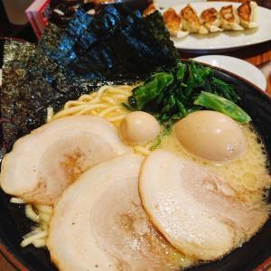 横浜家系ラーメン『壱角家』いろいろなトッピングを入れて楽しんで参りました