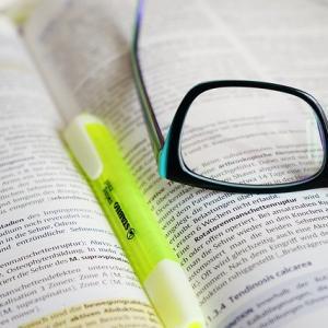 【大学図書館司書のおしごと】司書資格の取り方をカンタン解説