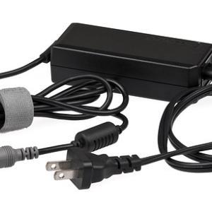 ノートパソコンの充電器は代用を使っても平気?共通して対応している?